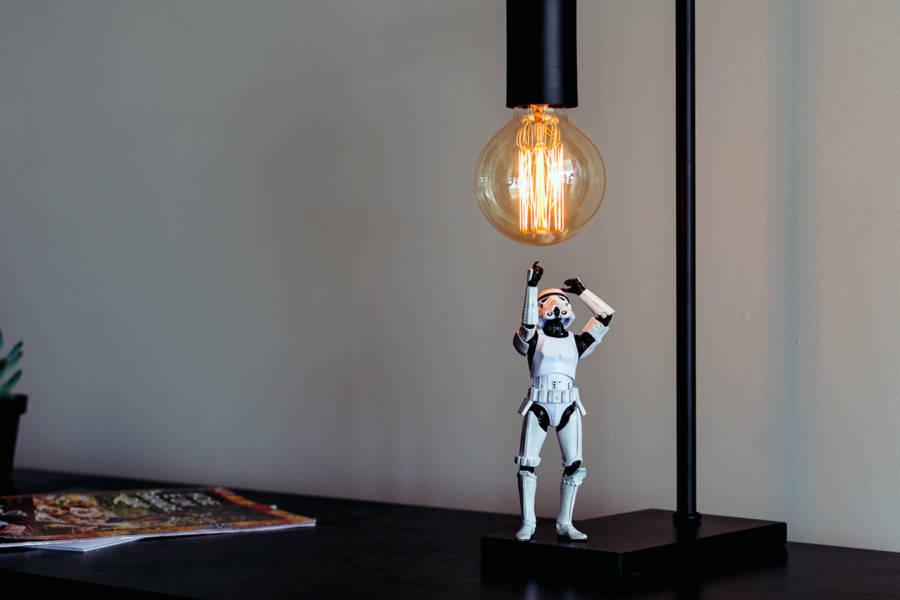 лампа и штурмовик